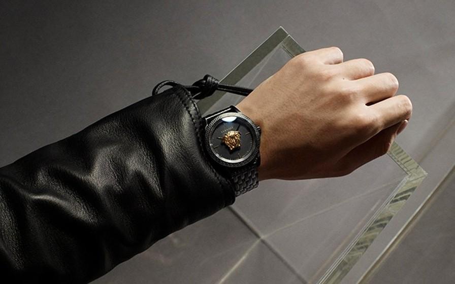 Cập nhật các mẫu đồng hồ Versace đang giảm giá rất sâu tại Mỹ