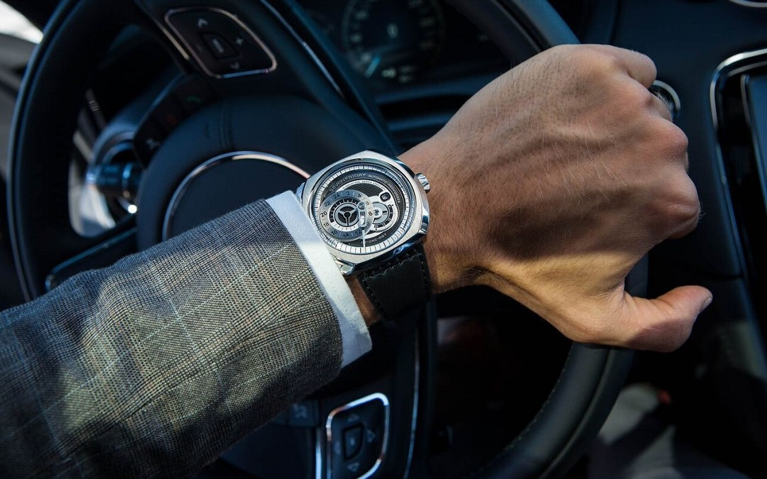 Đồng hồ nam Sevenfriday Q-Series máy cơ khí đang giảm giá rất tốt tại Mỹ